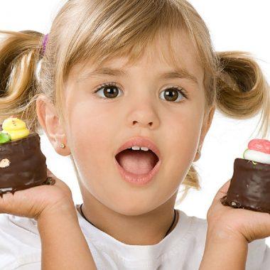 Сколько сладкого можно есть детям?